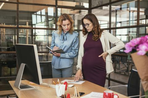 How to conduct an effective maternity leave handover